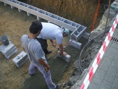La piscine de bubu coulage du radier for Beton coule en place